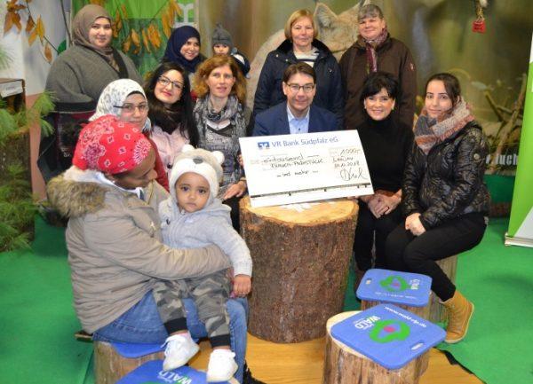Landau – VR Bank Südpfalz unterstützt Gemeinwesenarbeit der Stadt Landau mit 1.000 Euro