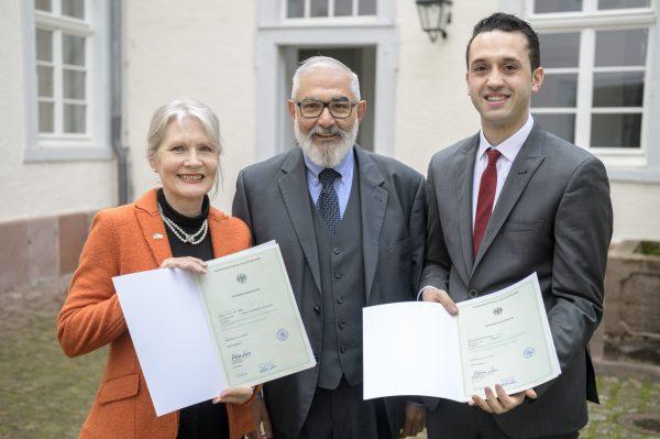 Heidelberg – 367 Einbürgerungen im Jahr 2018 in Heidelberg! Bürgermeister Wolfgang Erichson überreichte Einbürgerungsurkunden