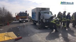 Mutterstadt / Ludwigshafen – VIDEO NACHTRAG: Schwerer Unfall auf A61 – Rettungshubschrauber und Feuerwehr Mutterstadt im Einsatz