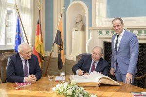Heidelberg – Armenischer Staatspräsident Sarkissian trug sich in das Goldene Buch der Stadt Heidelberg ein