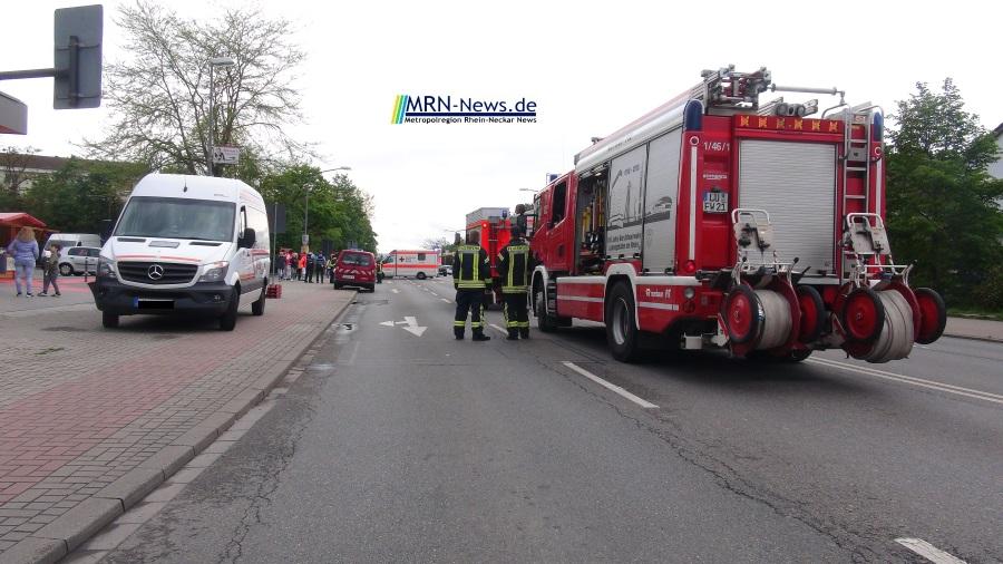 6ce942b8b6fd3b Ludwigshafen   Metropolregion Rhein-Neckar – Nach einem Verkehrsunfall an  der Ausfahrt vom Parkplatz der Filiale der Bäckerei Görtz