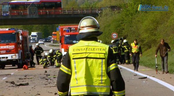 Landau / Nußdorf – VIDEO NACHTRAG: Tödlicher Unfall auf B10 – 30jähriger verstirbt an Unfallstelle