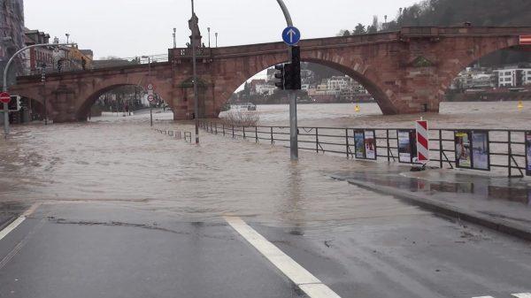 Heidelberg – Hochwasser: Anstieg des Neckarpegels auf über 3,80 Meter möglich! Halteverbot im Bereich der Alte Brücke