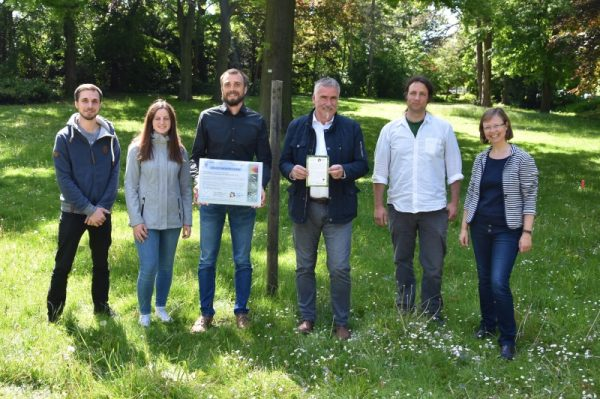 """Landau – Für Bienen, Schmetterlinge und Co.: Stadt Landau und Universität Koblenz-Landau stellen Kooperationsprojekt """"Bunte Wiese"""" vor"""