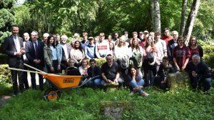 Landau – Ein besonderer Baustein der Erinnerungskultur in Landau: Schülerinnen und Schüler übernehmen Pflegepatenschaften für Grabsteine auf dem Jüdischen Friedhof