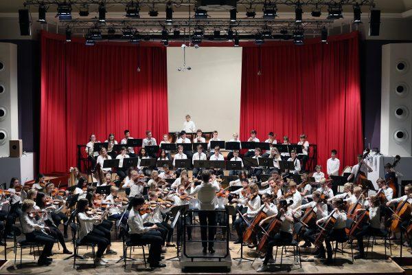 Heidelberg – Bilder einer Ausstellung: Konzert des Sinfonischen Aufbauorchesters der städtischen Musik- und Singschule am 26. Mai