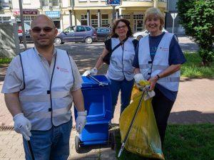 Ludwigshafen – Bei Blitzaktion im Hemshof wurden wieder Gehwege, Rinnsteine und Baumscheiben gereinigt