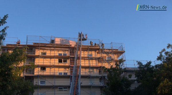 Ludwigshafen – VIDEO – Über den Dächern der Karlsbader Straße – Party endete mit Einsatz der Polizei, Feuerwehr und Rettungsdienst