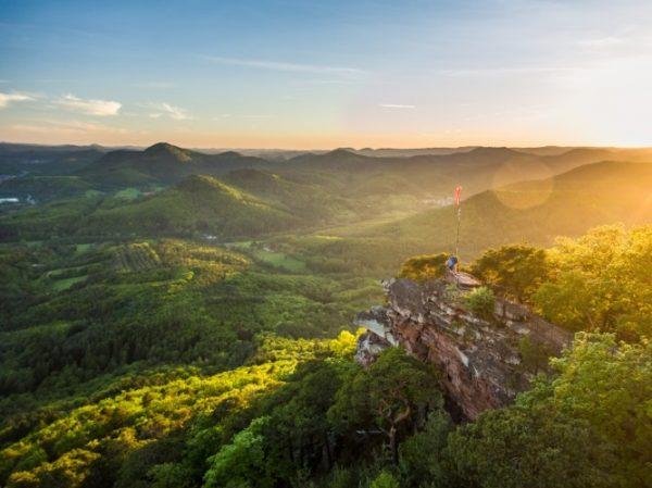 Neustadt – Die schönsten Wanderwege in der Pfalz –  Pfalz.Touristik stellt neue Wanderkarte vor