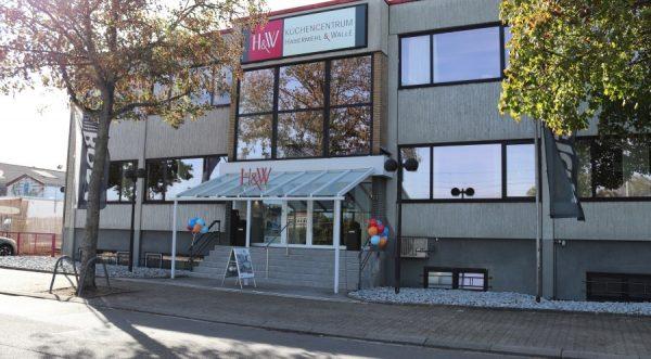 Ludwigshafen – Große Neueröffnung bei KüchenCentrum Habermehl und Wallè -Tradition trifft Innovation – Habermehl und Wallè setzt auf Barrierefreiheit und Smarthome