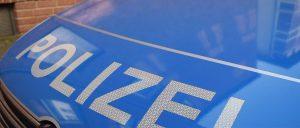 Heppenheim-Hüttenfeld –  Getränkeflaschen blockieren Kreisel
