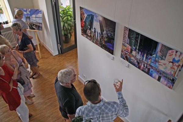 """Hemsbach – Kunst: Hemsbacher """"Galerie im Schloss"""" bietet Künstlern auch 2020 wieder öffentlichen Raum – Für 2020 sind fünf Ausstellungen geplant: jetzt bewerben!"""
