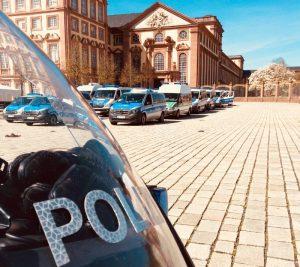 Mannheim – Am Freitag und Samstag sind mehrere Demos in #Mannheim angemeldet. Daher müssen einzelne Straßen in der Innenstadt gesperrt werden.