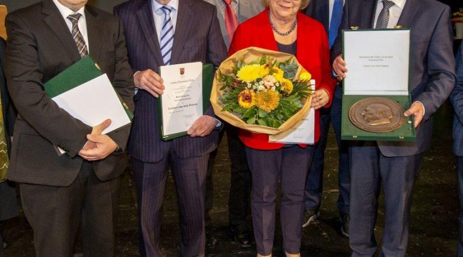 Rhein-Pfalz-Kreis – Freiherr-vom-Stein-Plakette – Auszeichnung für 3 Persönlichkeiten aus dem Landkreis