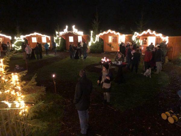 Rhein-Pfalz-Kreis –  Romantischer Weihnachtsmarkt beim Hotel Darstein in Altrip