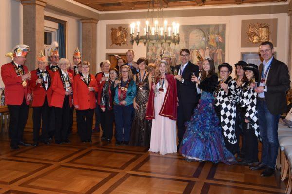 Landau – Ein dreifach donnerndes Galau – Landauer Stadtspitze empfängt Prinzessinnen und Prinzenpaar der Landauer Karnevalsvereine
