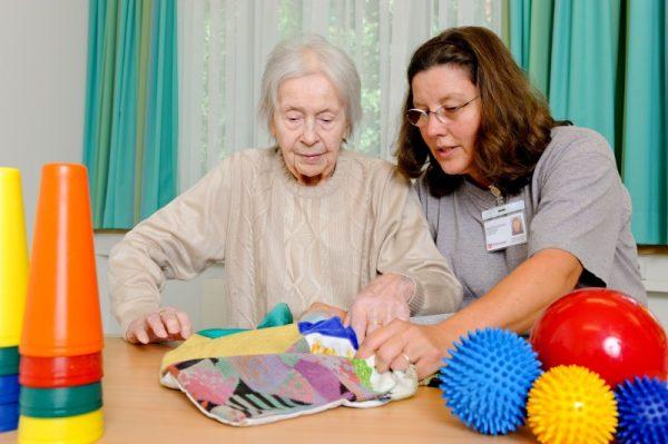 Speyer – Menschen mit Demenz professionell betreuen-Malteser bieten Ausbildung zum Betreuungsassistenten an