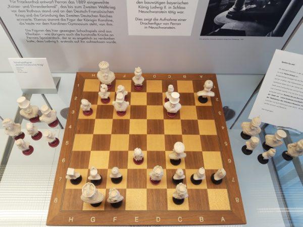Frankenthal – Schachspielen gegen Bürgermeister Bernd Knöppel – Partie endet unentschieden
