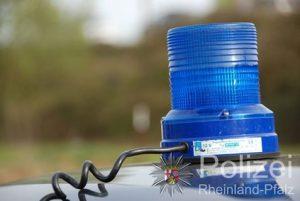 Mannheim-Sandhofen – 17-Jähriger wird handgreiflich gegen Polizeibeamte