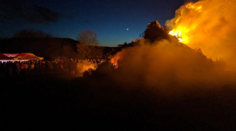 Weinheim – Oberflockenbacher Fastnachtshaufen beendet die närrischen Tage
