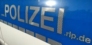 Speyer – Erst Fahrzeuge beschädigt, dann Beamte beleidigt und bespuckt