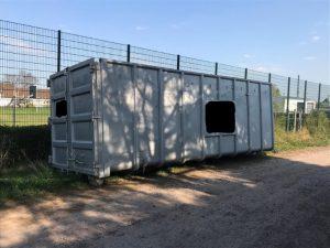 Haßloch – Tonnenschwerer Container von Feld entwendet