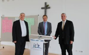 """Speyer – Kirchen wollen noch mehr """"zusammen wachsen"""" –   Neue Perspektiven für intensivere Zusammenarbeit bei ökumenischem Gipfeltreffen der Leitungen von evangelischer und katholischer Kirche"""