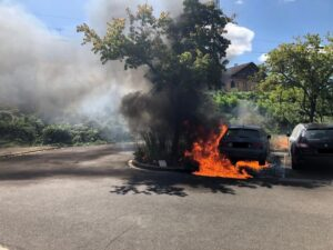 Neustadt – Fahrzeugbrand auf dem Parkplatz des Bahnhofes Böbig