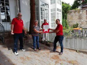 Neustadt – SPD Haardt übergibt Spende aus dem Heringsessen