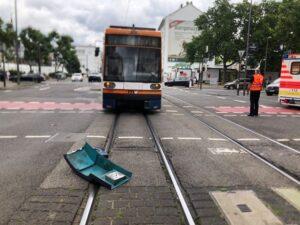 Ludwigshafen – ERSTMELDUNG: Unfall mit Straßenbahn Ecke Kaiser -Wilhelm-Straße / Heinigstraße