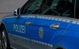 Mannheim – Unbeteiligter greift Polizeibeamte an und leistet Widerstand bei seiner Festnahme
