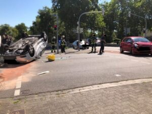 Ludwigshafen – ERSTMELDUNG: Unfall Kreuzung Raschigstraße/Wollstraße – Raschigstraße Richtung Gartenstadt aktuell gesperrt