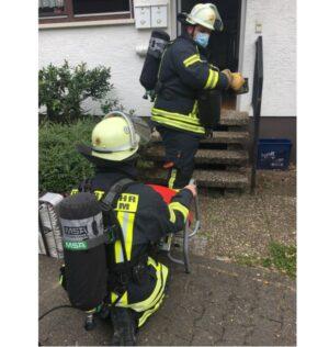 Weinheim – Feuerwehr führt Bewohner aus verrauchtem Einfamilienhaus