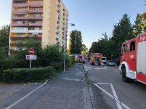 Mannheim – ERSTMELDUNG:  Feuerwehr bei Brand in 12- stöckigem  Hochhaus im Einsatz – 35 Personen vorsorglich evakuiert