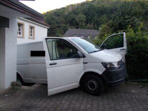Bad Dürkheim -Fahrzeug von Paketzusteller macht sich selbstständig