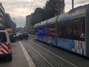 Mannheim – Straßenbahnunfall vor dem Mannheimer Rathaus in E5