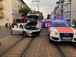 Ludwigshafen – Erstmeldung – Aktuell Unfall in der Rheingönheimer Straße – Straßenbahnverkehr aktuell wegen Unfall eingestellt