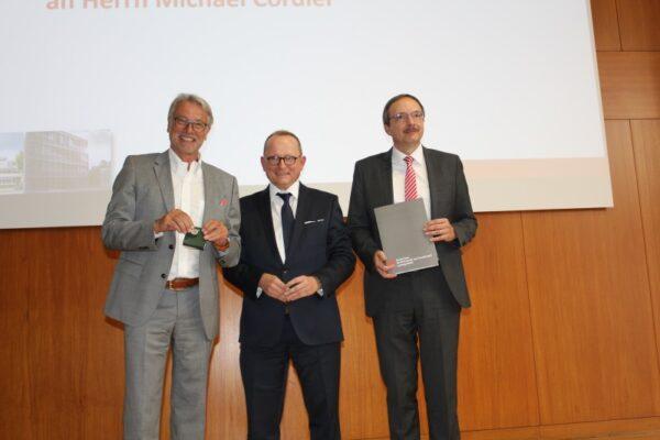 Ludwigshafen – Hochschule für Wirtschaft und Gestaltung: Michael Cordier mit Hochschulmedaille ausgezeichnet
