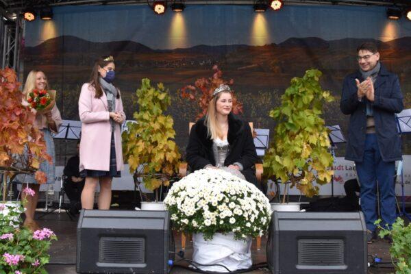Landau – Gestatten, Nina I.: Nina Kaufmann ist neue Landauer Weinprinzessin