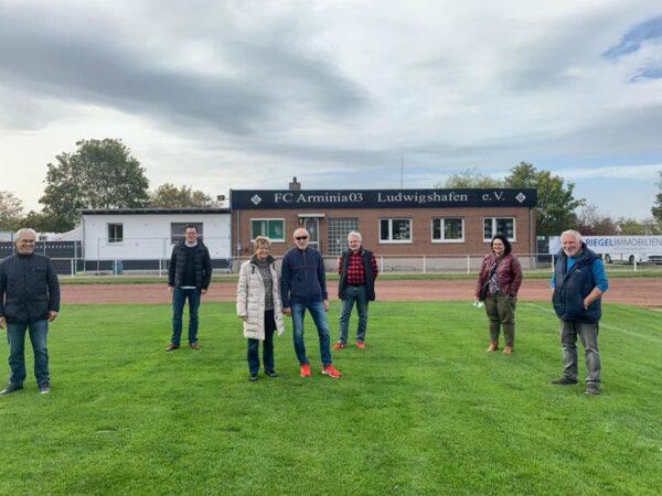 Ludwigshafen – Kartes besucht Bezirkssportanlage in Rheingönheim