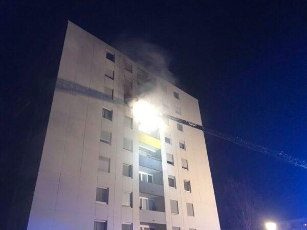 Frankenthal –Erstmeldung:  #Feuerwehreinsatz in der Albert Haueisen Straße – #Wohnungsbrand im 6.OG.