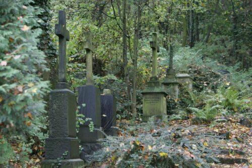 "Weinheim – Ein Besuch bei ""St. Peter"" – Führungen über den Alten Friedhof in Weinheim am 22. Oktober – Grabstätten prominenter Bürger"