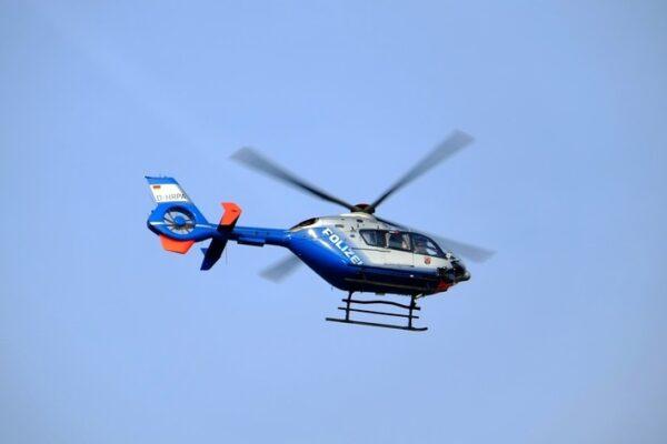 Walldorf – ERSTMELDUNG: Raubüberfall auf Spielcenter  –  Täter flüchtig – Hubschrauber im Einsatz