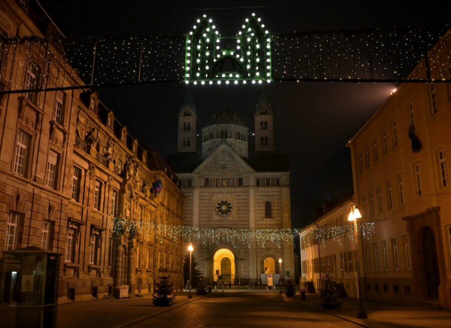 """Speyer – """"Halte.Punkt.Advent!""""- Advents-Andachten im Dom zu Speyer:  Gebet, Besinnung und Musik in einer besonderen Adventszeit"""
