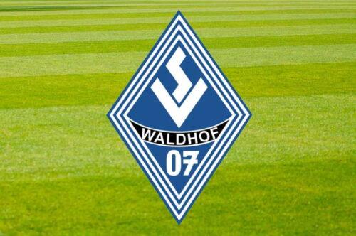 Mannheim – Der SV Waldhof Mannheim schlägt Tabellenführer Dresden