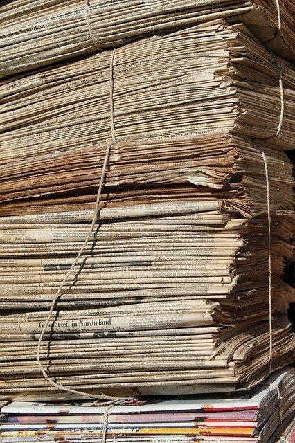 Heidelberg – Pappe und Papier über die Behälter entsorgen! Was neben den Papiertonnen steht, nimmt die Müllabfuhr ab 1. Februar nicht mehr mit