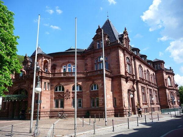 """Heidelberg – Stadthallen-Sanierung: Petition zurückgewiesen! Landtag bestätigt Vorgehen der Stadt Heidelberg """"Beteiligungsprozesse gehen über gesetzlich vorgesehene Verfahrensvorschriften hinaus"""""""