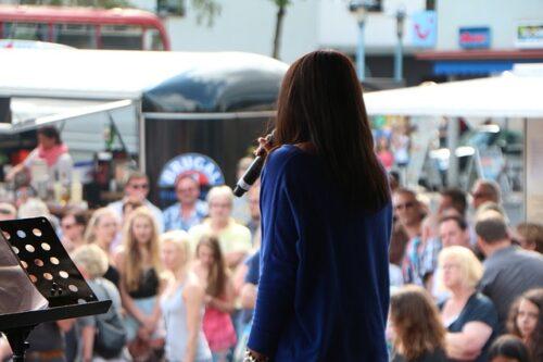 Mannheim – #MannheimZUSAMMEN: Einmalige Chance für Nachwuchsmusiker – Band-Wettbewerb im RADIO REGENBOGEN – Palazzo  – 200 Euro Gage für jeden Musiker und professionelles Video – Bülent Ceylan spricht über sein Leben in der Corona-Pandemie