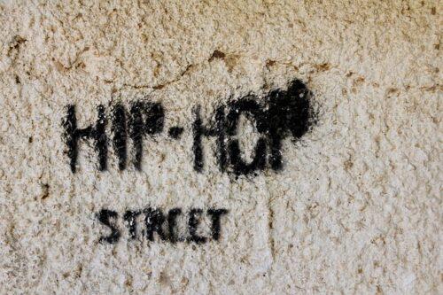 """Mannheim – """"HipHop als Blaupause für politische Selbstermächtigung"""" – Online-Gespräch mit Parteigründer und Breakdancer Raphael Hillebrand am Mi, 28. April, 20 Uhr"""