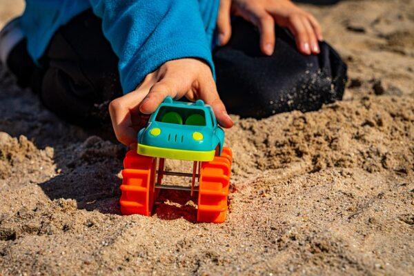 Heidelberg – Kinderspielplatz Karlstraße lädt nach Umbau wieder zum Spielen ein! Neue Spielgeräte besonders für die ganz Kleinen